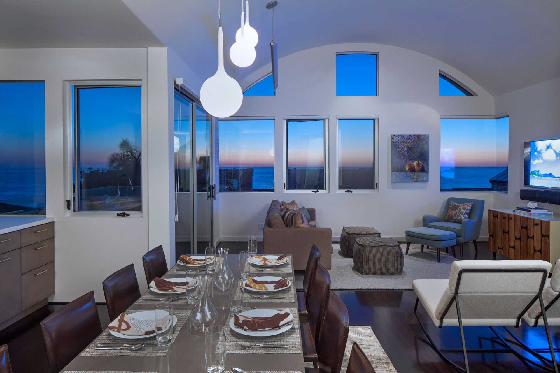 Gorgeous views from this Manhattan Beach remodel