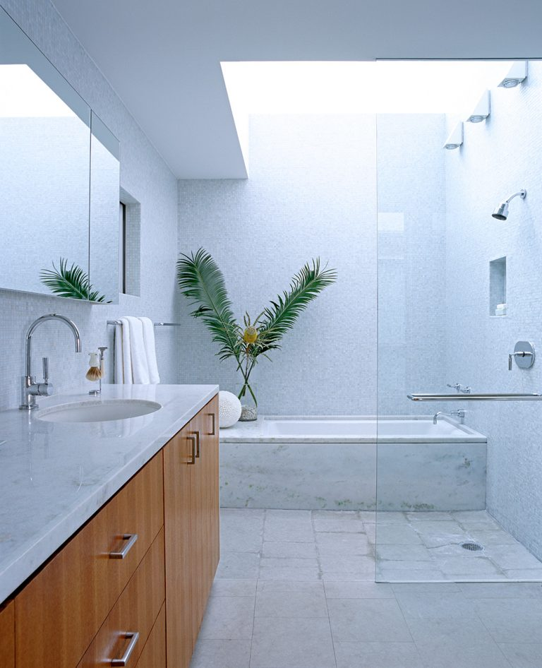 Modern master bath in gorgeous Newport Beach home