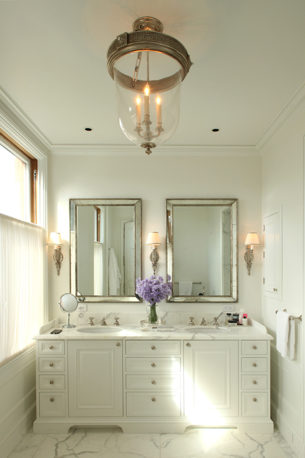 This San Francisco renovation features richly detailed baths in an atmosphere of luxurious restraint